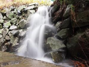 雨が降ると出現する我が家の滝