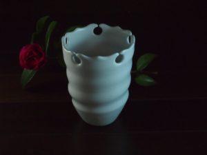 白磁輪花花器