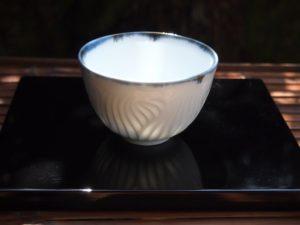 青白磁線文野点茶碗