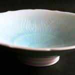 ①青白磁輪花鉢 サイズ(mm) 225×225×69 価格(税抜) 20,000円