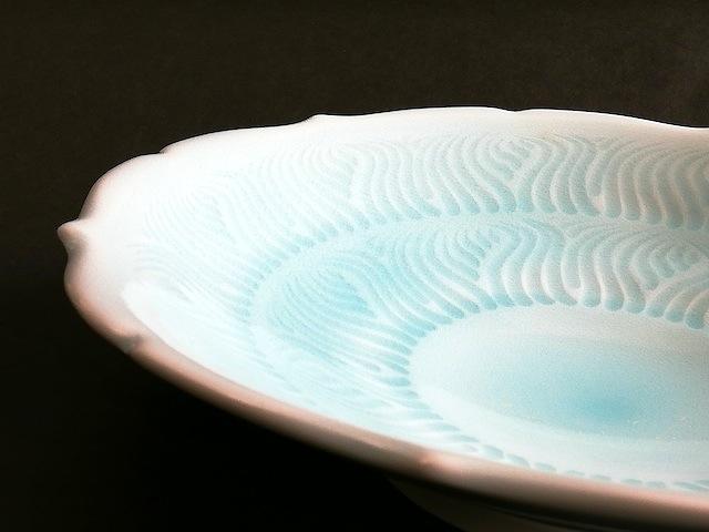 ④青白磁輪花浅鉢 サイズ(mm) 246×246×52 価格(税抜) 25,000円