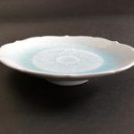 ⑤青白磁輪花高台皿 サイズ(mm) 216×216×47 価格(税抜) 15,000円