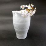 ⑨白磁輪花花器 サイズ(mm) 107×107×160 価格(税抜) 12,000円
